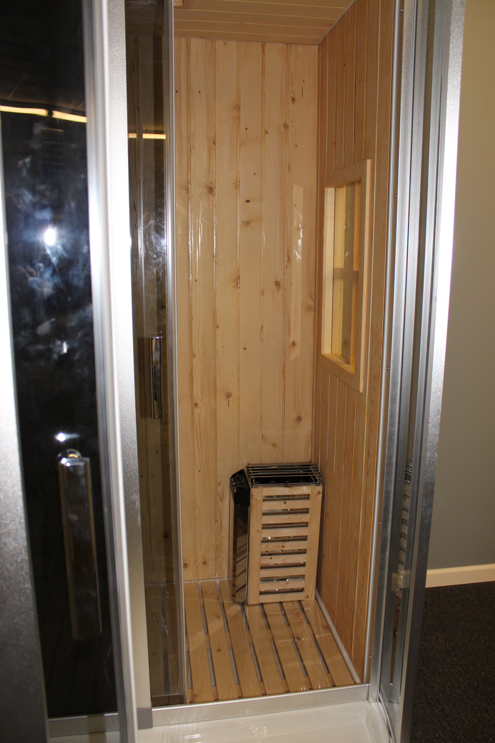 Steam Shower Enclosure With Traditional Sauna B001 Display