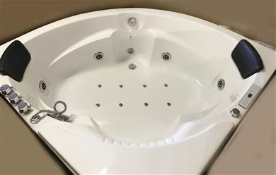 Corner JETTED BATHTUB,Hydromassage,Whirlpool,Air Bubble & waterfall. M3015 - Image 10